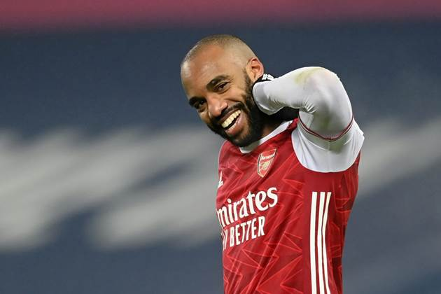 Fabrizio Romano gives latest update on Alexandre Lacazette's Arsenal future - Bóng Đá