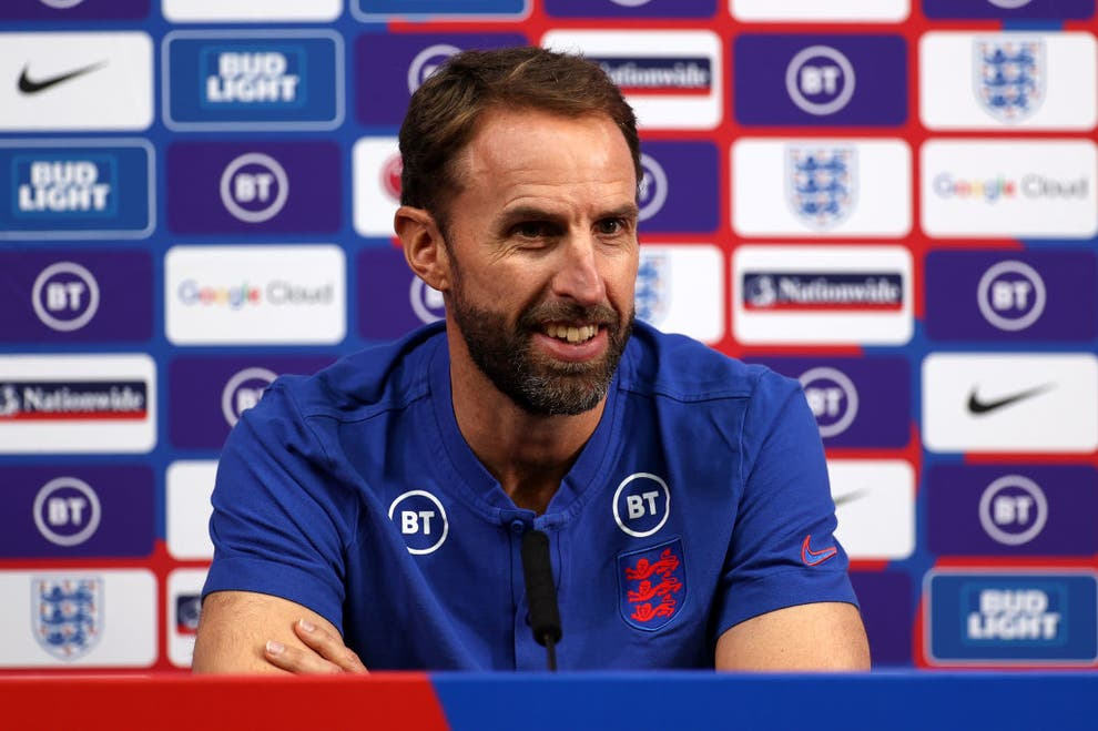 Gareth Southgate compares England's attacking balance with Chelsea and Liverpool style - Bóng Đá