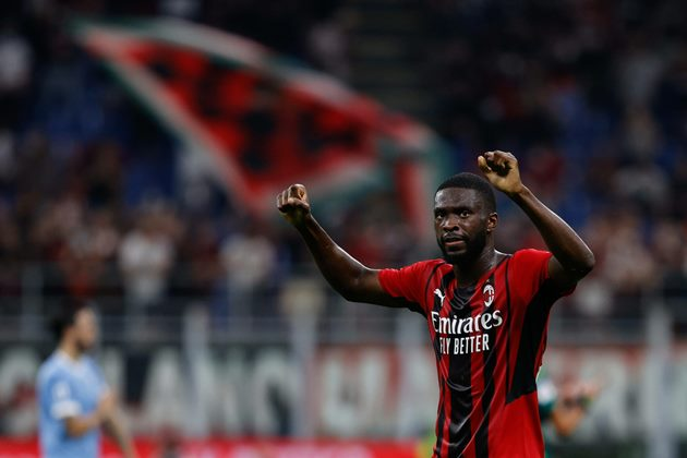 Chelsea don't have buy-back option for AC Milan centre-back Fikayo Tomori - Bóng Đá