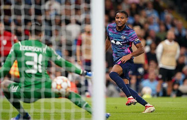 Nkunku - cầu thủ không có điểm yếu - được Chelsea, Real tranh mua là ai?