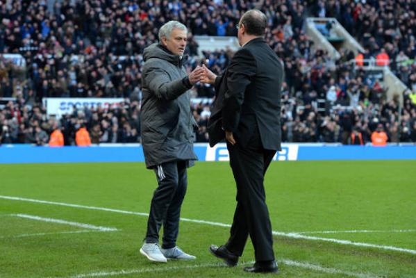 Thua Newcastle, Mourinho kéo dài cơn ác mộng mang tên Benitez - Bóng Đá