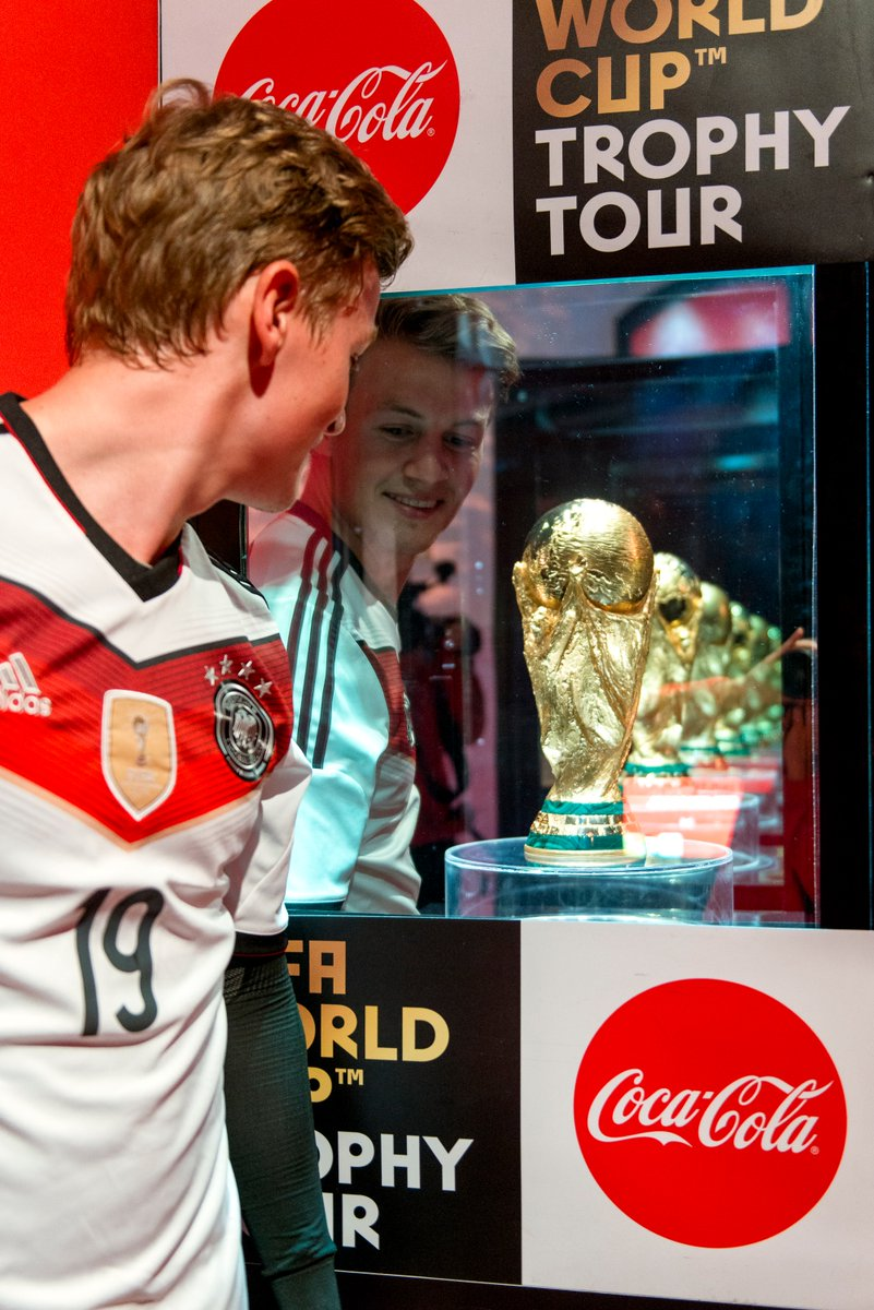 Chiếc cúp vàng danh giá trở lại nước Đức - Bóng Đá