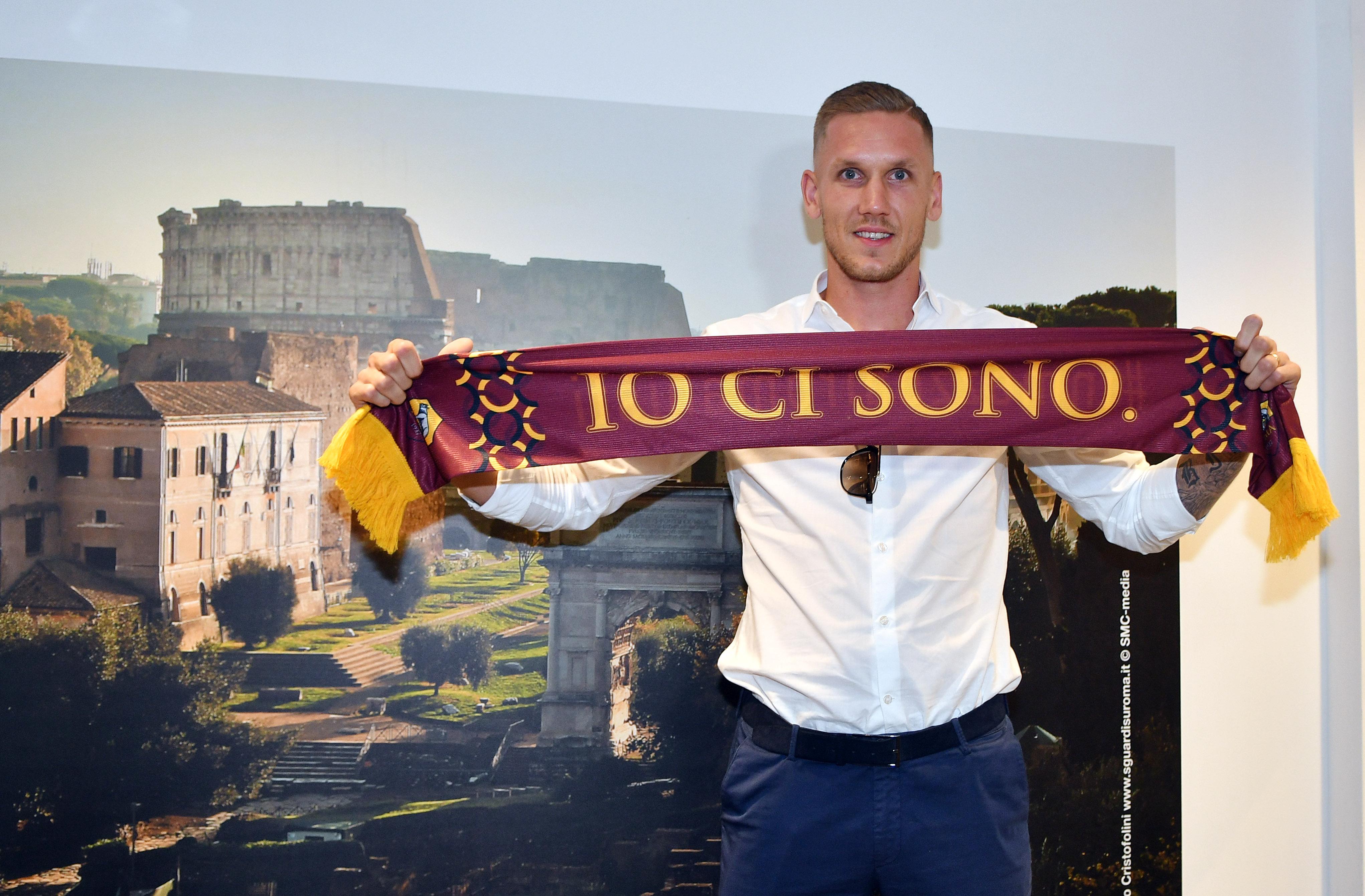CHÍNH THỨC: Chiêu mộ thủ môn World Cup, Roma có người thay Alisson - Bóng Đá