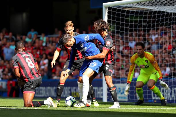 Dự bị ghi bàn, Sarri căng thẳng giải bài toán Bournemouth - Bóng Đá
