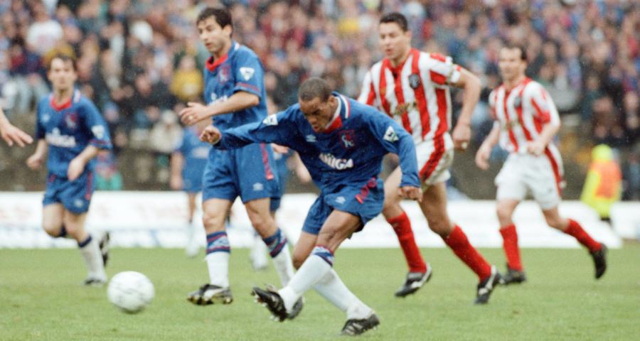 Nhìn lại trận đấu năm 1994, khi Chelsea lần đầu đánh bại Sheffield ở Premier League - Bóng Đá