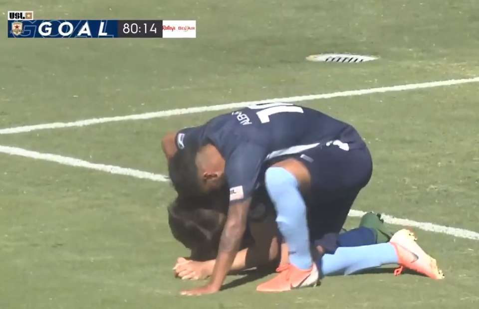 Darek Formella's emotional winning goal after the news of his father's passing - Bóng Đá