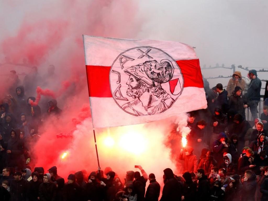 Ajax fans banned from attending Chelsea clash - Bóng Đá