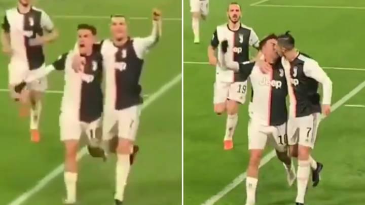 Ronaldo gặp 'tai nạn' đỏ mặt với Dybala, giống thầy Park và Văn Quyết - Bóng Đá