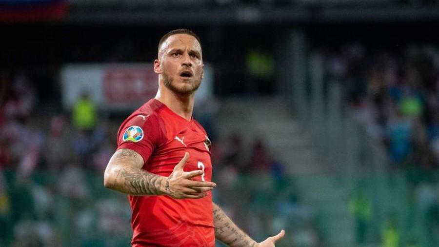 Planes grounded due to coronavirus scupper potential Marko Arnautovic West Ham return - Bóng Đá