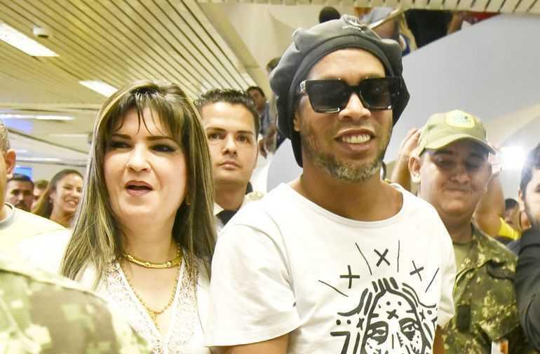 Ronaldinho longer in Paraguayan prison: link with notorious businesswoman - Bóng Đá