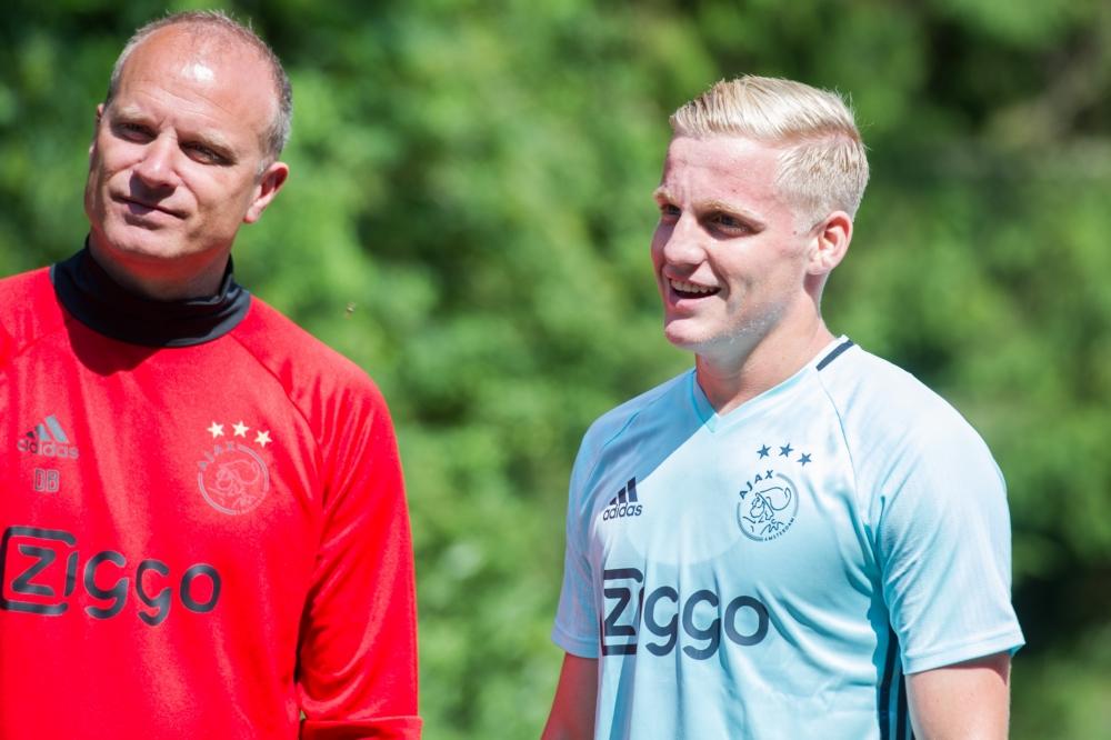 Donny van de Beek dates Dennis Bergkamp's daughter Estelle after he was spotted aged 10 by Arsenal icon - Bóng Đá