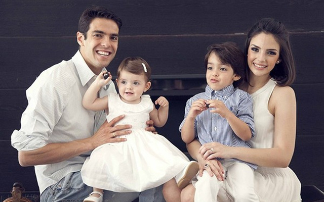 Kakà's wife is pregnant, the model's announcement on social media - Bóng Đá
