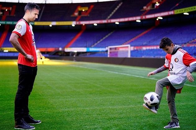 World goal Shaqueel van Persie (13) against Ajax Under-15 !!! - Bóng Đá
