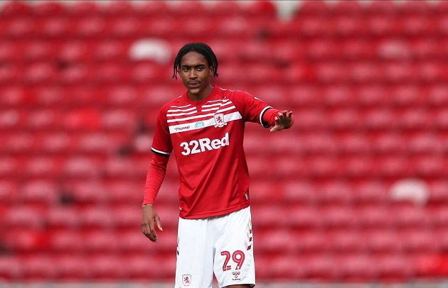 Djed Spence - 'Cơn lốc' cánh phải cho Premier League tranh đoạt - Bóng Đá