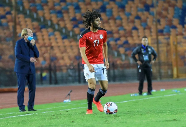 Arsenal fans noticed what Mohamed Elneny did in the absence of Liverpool star Mo Salah for Egypt - Bóng Đá