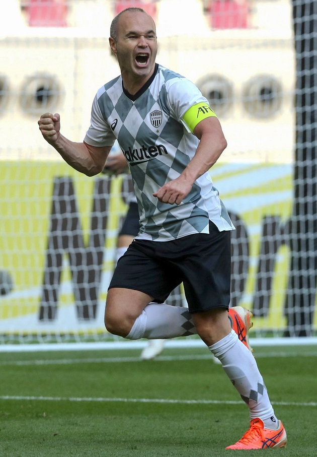 Rực sáng trước đội bóng của Cannavaro, Iniesta mang đội nhà vào vòng 26 đội Champions League - Bóng Đá