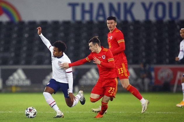 """""""Scholes 2.0"""" của M.U mất hút dù chơi cho đội hạng hai - Bóng Đá"""