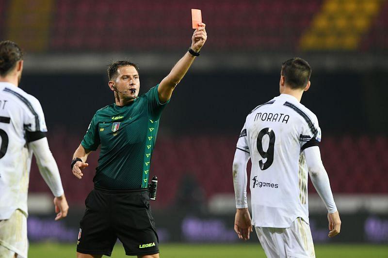 Morata đã nói gì khiến trọng tài rút thẻ đỏ sau tiếng còi chung cuộc? - Bóng Đá