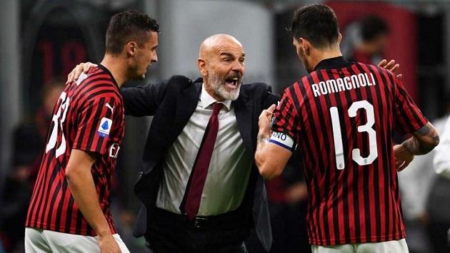 Hình ảnh đẹp về tình thầy trò ở AC Milan - Bóng Đá