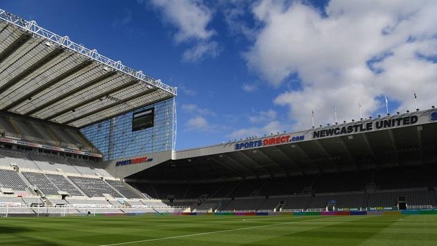 Ngoại hạng Anh lại lao đao, Newcastle có 5 ca Covid-19 - Bóng Đá