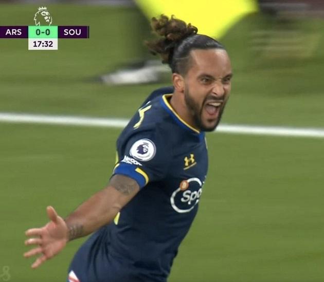 Cựu cầu thủ ăn mừng trước Arsenal - Bóng Đá