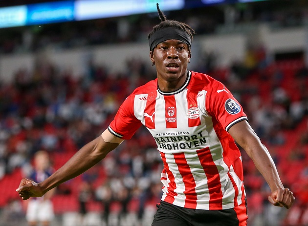MADUEKE: Nigerian youngster who snubbed Man United, Chelsea for PSV - Bóng Đá