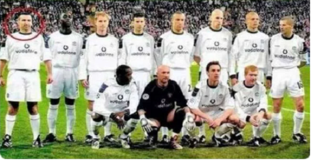 Manchester United: When prankster blagged his way into team photo before Bayern Munich clash - Bóng Đá