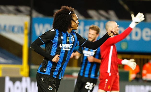 Watch: Man Utd loanee Tahith Chong scores delightful chip on Brugge debut - Bóng Đá