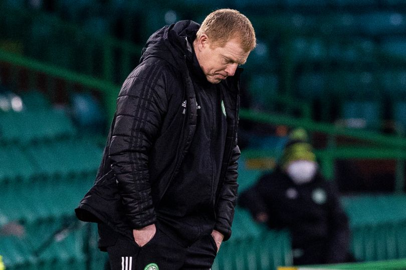BREAKING: Neil Lennon resigns as Celtic manager as Parkhead boss officially stands down - Bóng Đá