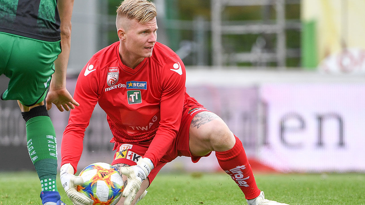 Panetolikos goalkeeper Knett missed Panathinaikos game after burning hand cooking a steak - Bóng Đá