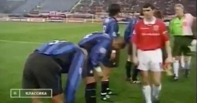Man United: Roy Keane mugging off Ronaldo and Diego Simeone happened 22 years ago - Bóng Đá