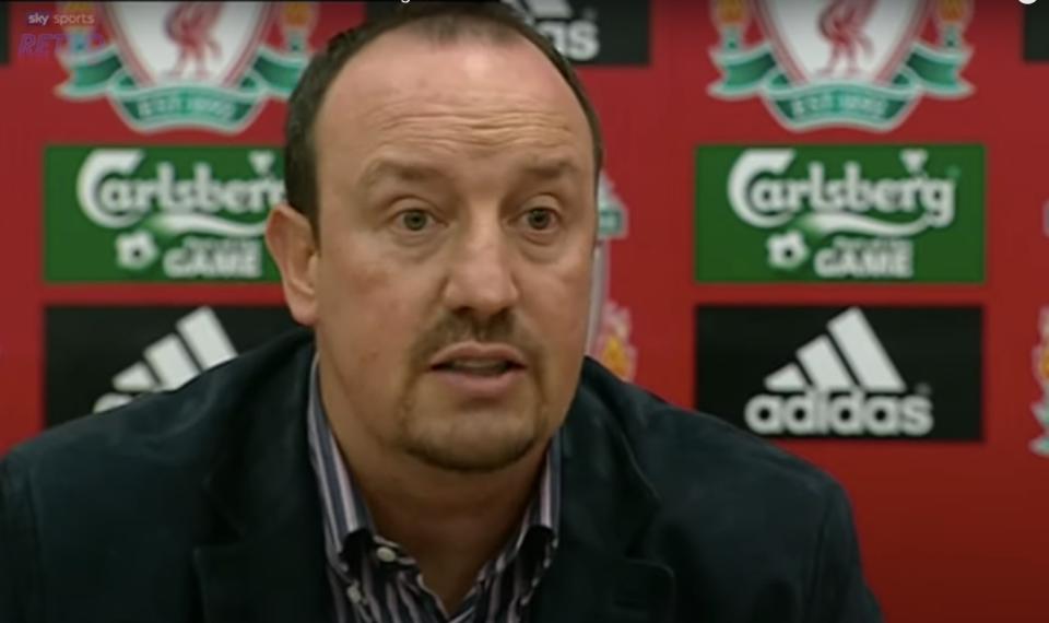 Liverpool touchline meltdown that sparked bitter Rafa Benitez and Alex Ferguson rivalry - Bóng Đá