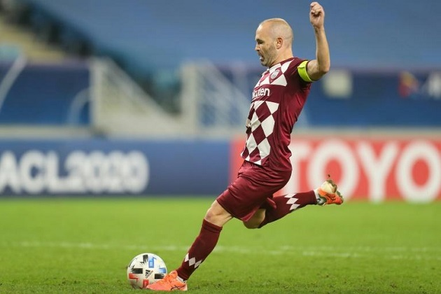 Ex-Barcelona star Iniesta signs two-year contract extension at Vissel Kobe - Bóng Đá