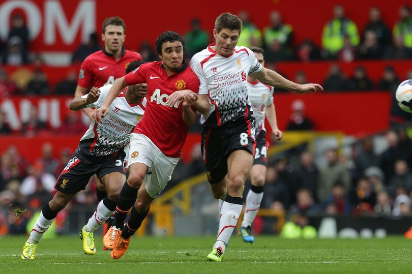 Manchester United favourite Rafael claims Liverpool great Steven Gerrard hated him - Bóng Đá