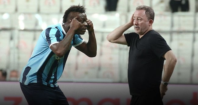 Balotelli celebrates goal by taunting Besiktas manager who said he 'has no brain' - Bóng Đá