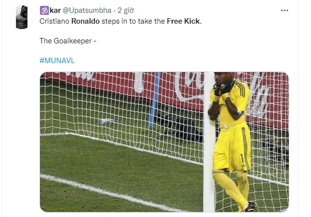Chế Ronaldo đá phạt - Bóng Đá