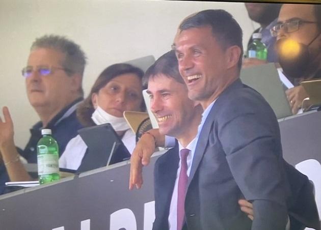 Paolo Maldini's reaction to Daniel scoring his first AC Milan goal v Spezia was beautiful - Bóng Đá