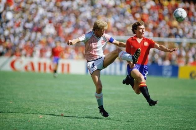 ĐẾM NGƯỢC 15 ngày World Cup: Butragueno xé nát con tim người Đan Mạch - Bóng Đá