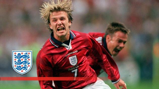 David Beckham nhận giải thưởng 'cực chất' từ UEFA - Bóng Đá