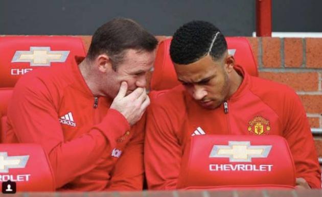 Depay đáp trả CỰC SỐC sau lời chia sẻ của Rooney - Bóng Đá