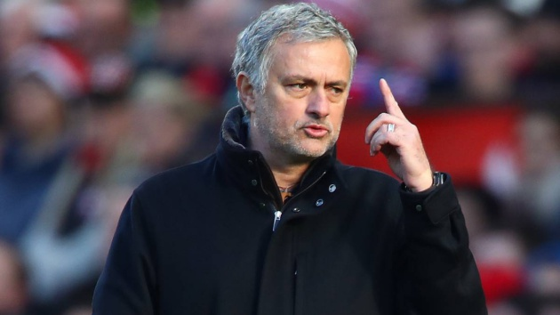 Mourinho sẽ sử dụng đội hình cực mạnh để tiếp đón Derby - Bóng Đá
