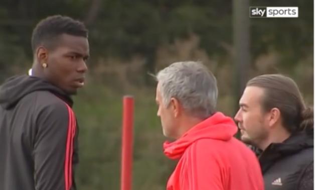 Chuyên gia ngôn ngữ cơ thể phân tích tình huống giữa Pogba và Mourinho - Bóng Đá