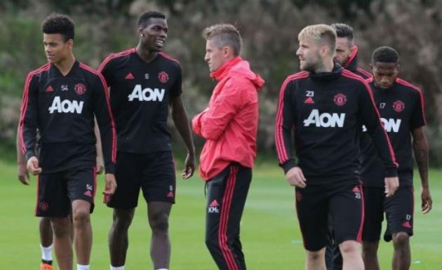 Tiết lộ: Pogba dẫn đầu nhóm điều tra những rắc rối ở Man Utd - Bóng Đá