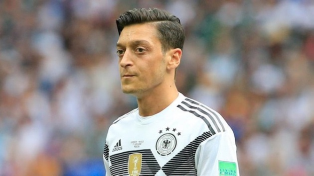 Wenger reveals why Ozil worries him and states the date he will return to football - Bóng Đá