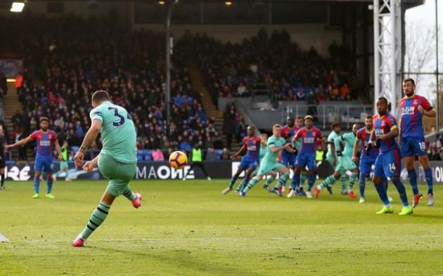 Xhaka tiết lộ điều Emery nói với anh trước khi ghi bàn vào lưới Palace - Bóng Đá
