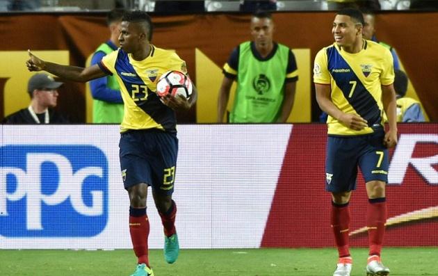 Valencia xác nhận lý do 'mất tích' tại Man Utd, không phải chấn thương - Bóng Đá
