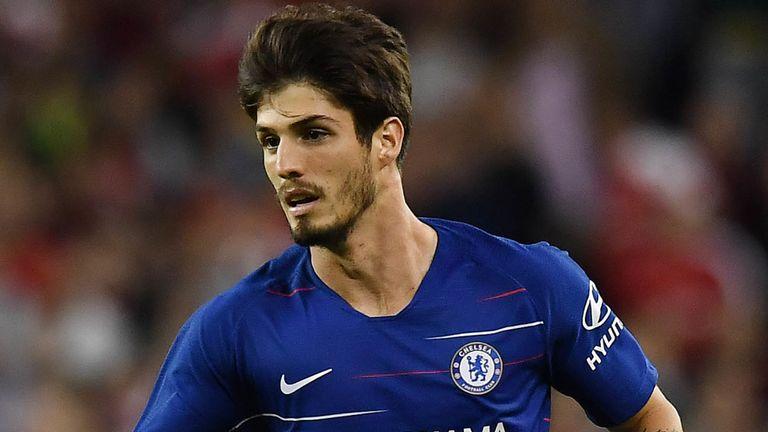 CHÍNH THỨC: Chelsea chia tay thêm 1 tiền đạo đội một - Bóng Đá
