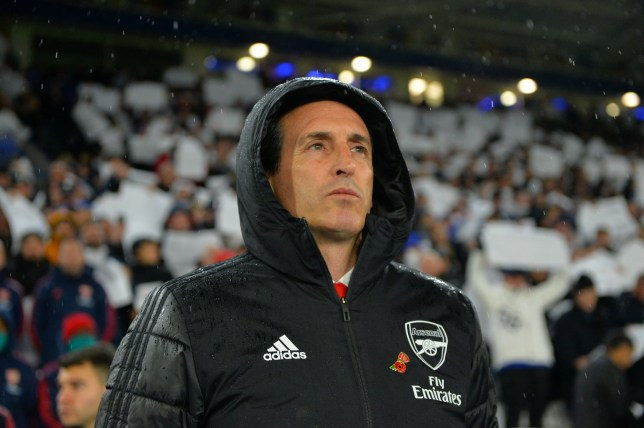 Arsenal hierarchy still '100% behind' Unai Emery and will not sack him despite Leicester City defeat - Bóng Đá