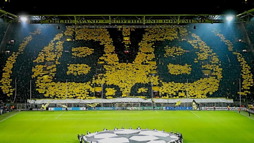 10 SVĐ đông khán giả nhất Châu Âu: MU thua người Đức; Arsenal 'bay màu' - Bóng Đá