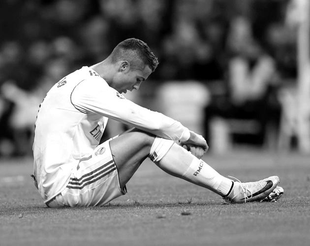 Đội nhà gục ngã, sao Real thừa nhận nhớ Ronaldo - Bóng Đá